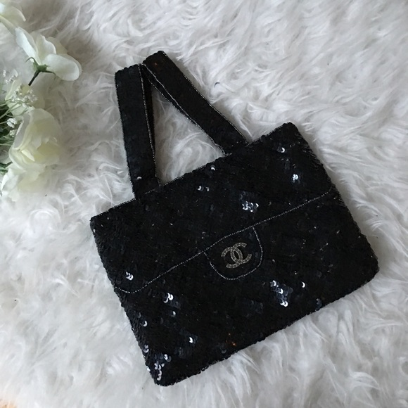 d8b6cfbb8c35 CHANEL Handbags - Chanel CC Evening Black Sequin Bag Trompe L'Oeil